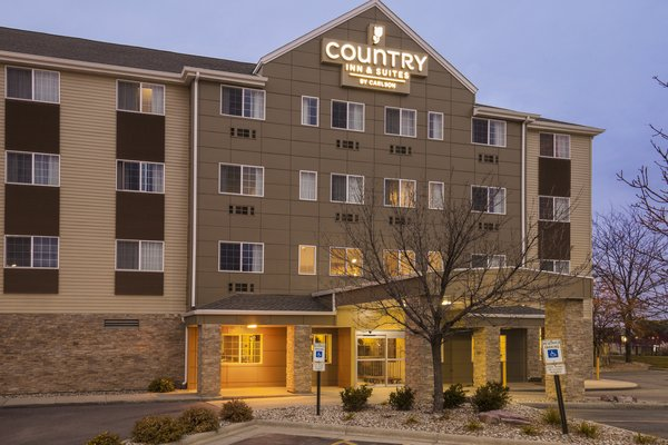 Country Inn & Suites - Sioux Falls